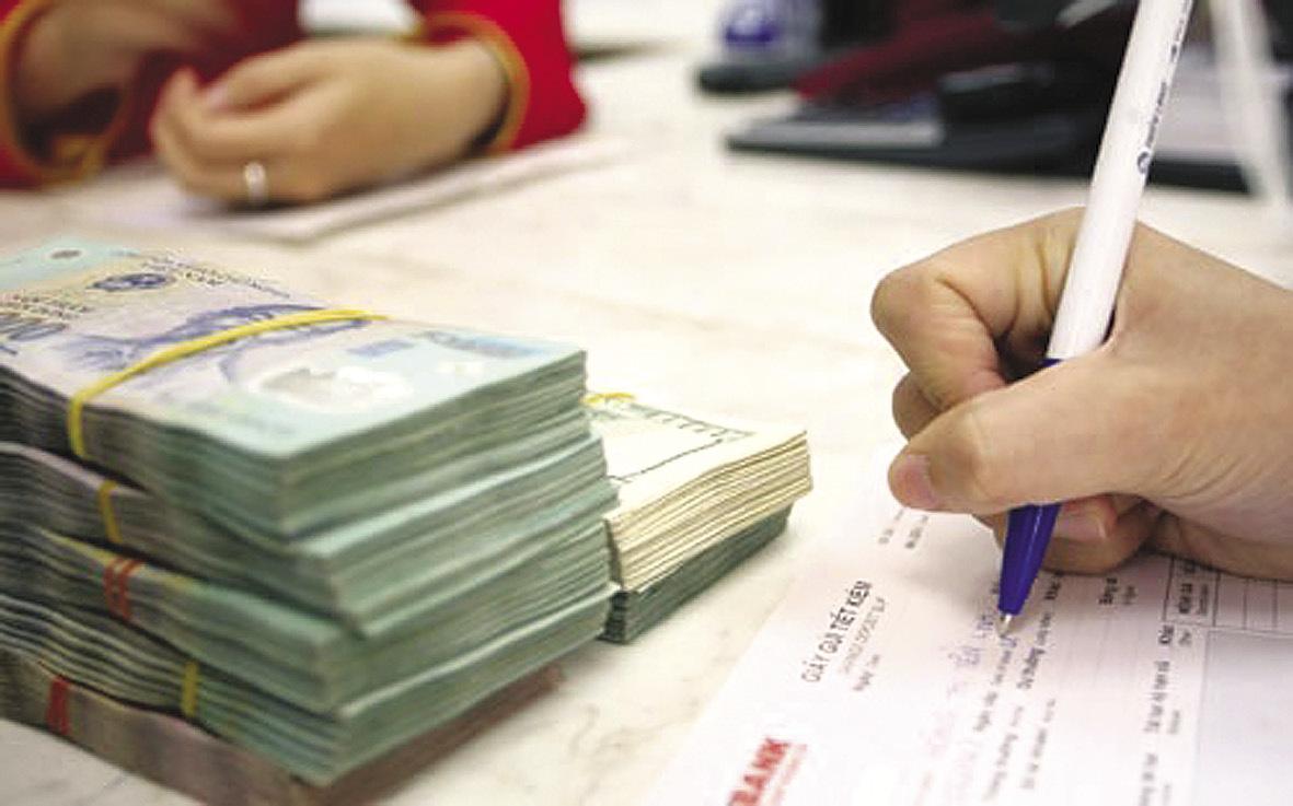 Lãi suất đồng loạt tăng mạnh: Tiền chảy mạnh, giật mình bất an-2