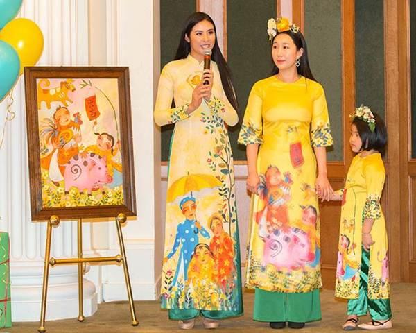 Hoa hậu Ngọc Hân mang áo dài sang New York diễn cho kiều bào-2