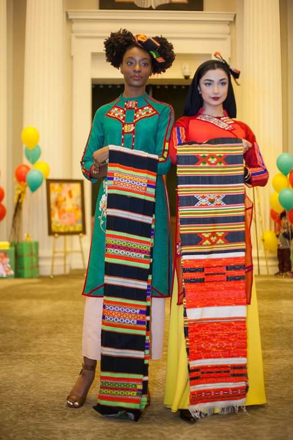 Hoa hậu Ngọc Hân mang áo dài sang New York diễn cho kiều bào-7