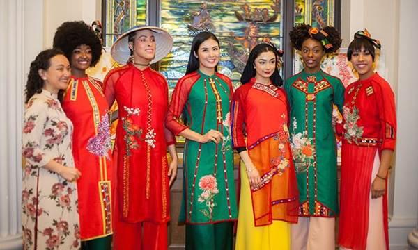 Hoa hậu Ngọc Hân mang áo dài sang New York diễn cho kiều bào-8
