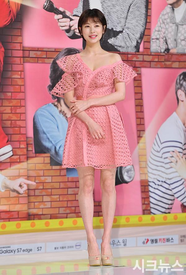 Trà Ngọc Hằng sến súa khi đụng lại váy 2 năm trước với Jessica Jung và cả loạt mỹ nhân-4