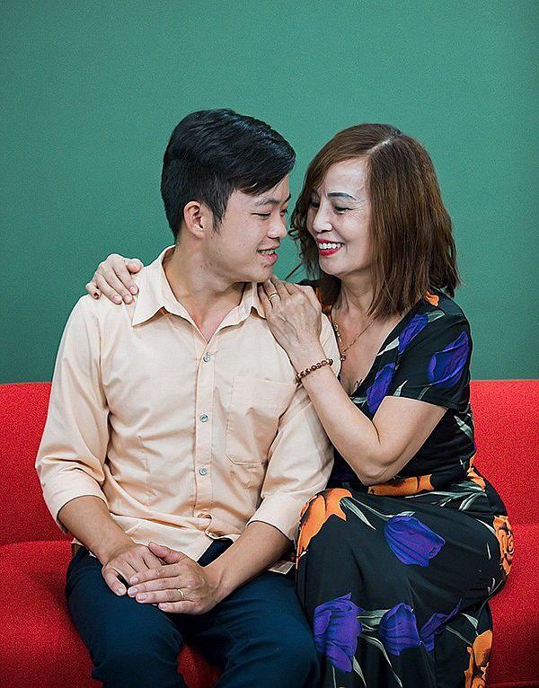Cô dâu Cao Bằng 62 tuổi lấy chú rể 26 tuổi sức khỏe yếu hậu thẩm mỹ-2