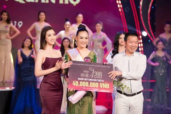 Hoa hậu Mỹ Linh vai trần gợi cảm làm giám khảo Người đẹp Kinh Bắc-10