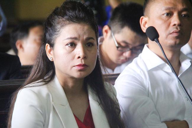 Mẹ ông Đặng Lê Nguyên Vũ: Vợ chồng không còn tình cũng còn nghĩa, có ai mà đưa chồng đi nhà thương điên đâu-2