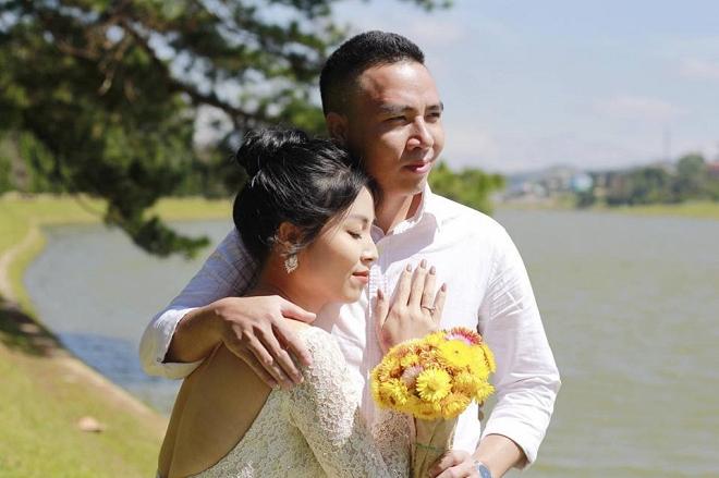 Loạt khoảnh khắc lãng mạn như chụp ảnh cưới của cặp đôi Mạnh Hùng - Hoàng Linh-14