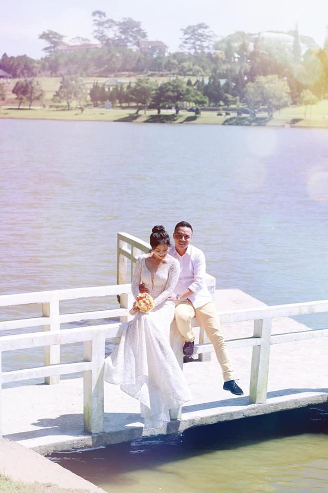 Loạt khoảnh khắc lãng mạn như chụp ảnh cưới của cặp đôi Mạnh Hùng - Hoàng Linh-6