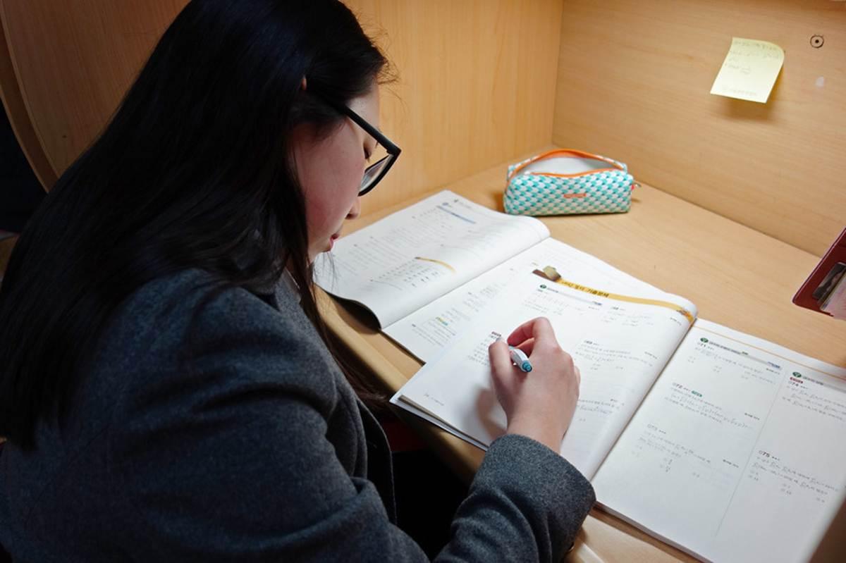 Học hành căng thẳng, học sinh chọn cái chết tự giải thoát-6