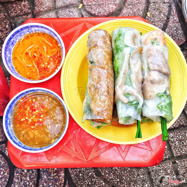 Tiệm gỏi cuốn nổi tiếng nhất nhì Sài Gòn, cứ chiều đến thực khách lại xếp hàng... ngoài cửa sổ chờ mua-7