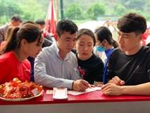 Xu hướng 'xin lộc' đầu năm của người Việt tại lễ hội
