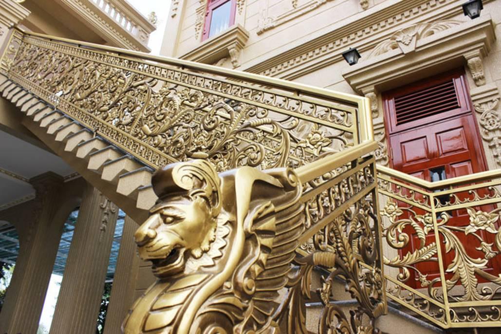 Đại gia Việt đọ độ chịu chơi qua những biệt thự dát vàng lấp lánh-2