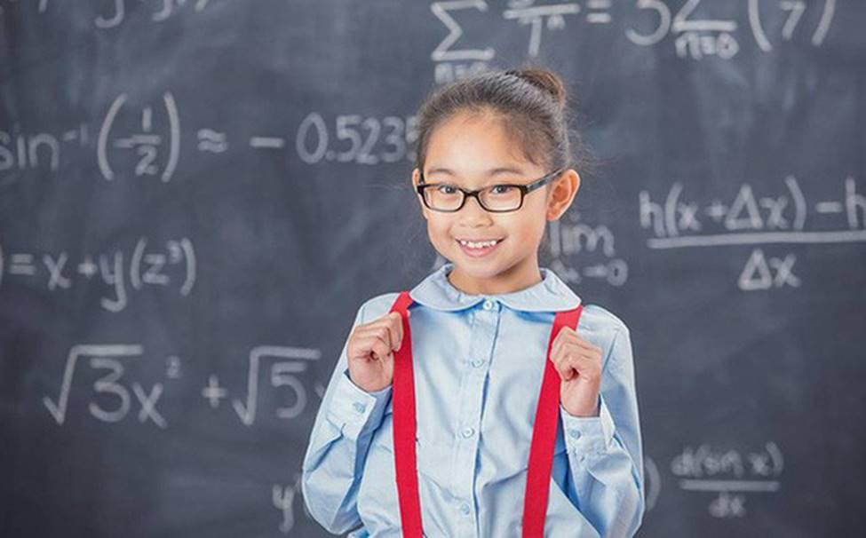 """Đầu năm học lỏm"""" ngay 5 phương pháp dạy con trở thành đứa trẻ tự tin của những ông bố bà mẹ thông thái-1"""