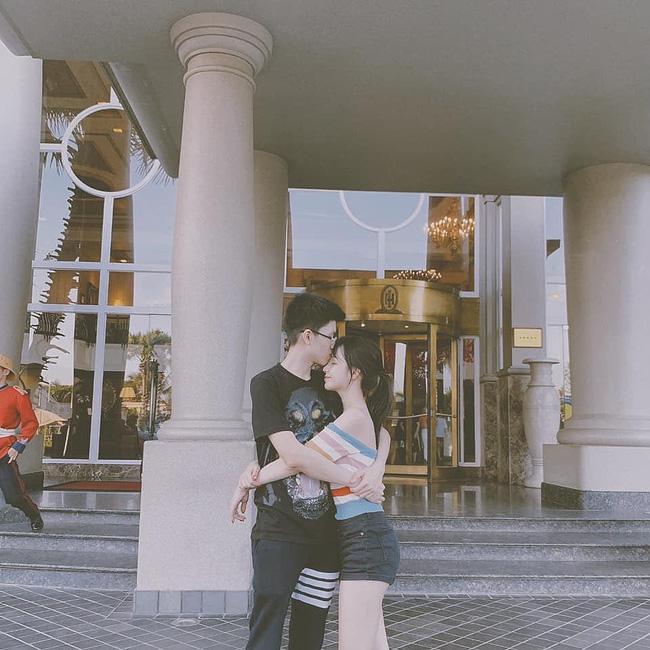Sang chảnh như em trai Phan Thành và bạn gái: Đã chụp ảnh là chỉ tạo dáng trước siêu xe hoặc check-in ở nhà hàng xịn-6