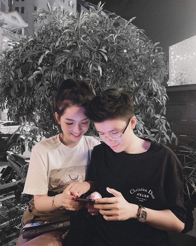 Sang chảnh như em trai Phan Thành và bạn gái: Đã chụp ảnh là chỉ tạo dáng trước siêu xe hoặc check-in ở nhà hàng xịn-7
