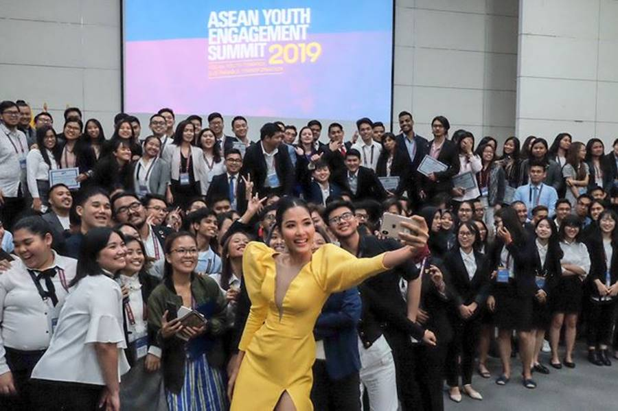 Hoa hậu Tiểu Vy, Á hậu Phương Nga đốn tim fans với váy áo lộng lẫy-8