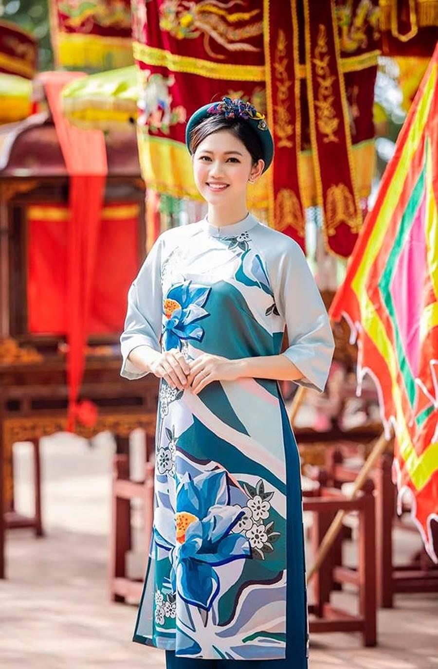 Hoa hậu Tiểu Vy, Á hậu Phương Nga đốn tim fans với váy áo lộng lẫy-9