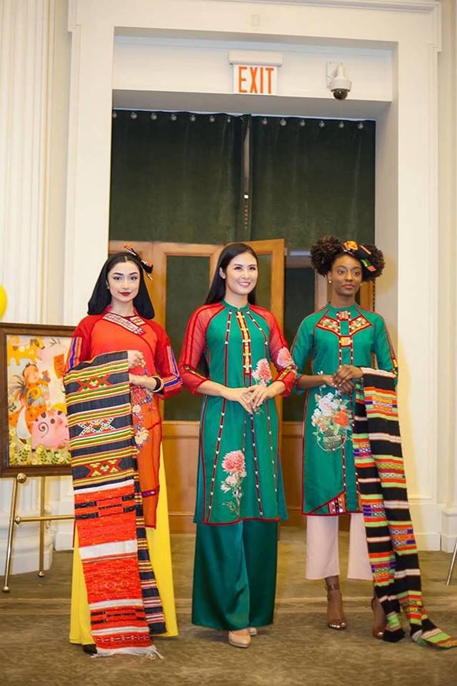 Hoa hậu Tiểu Vy, Á hậu Phương Nga đốn tim fans với váy áo lộng lẫy-12