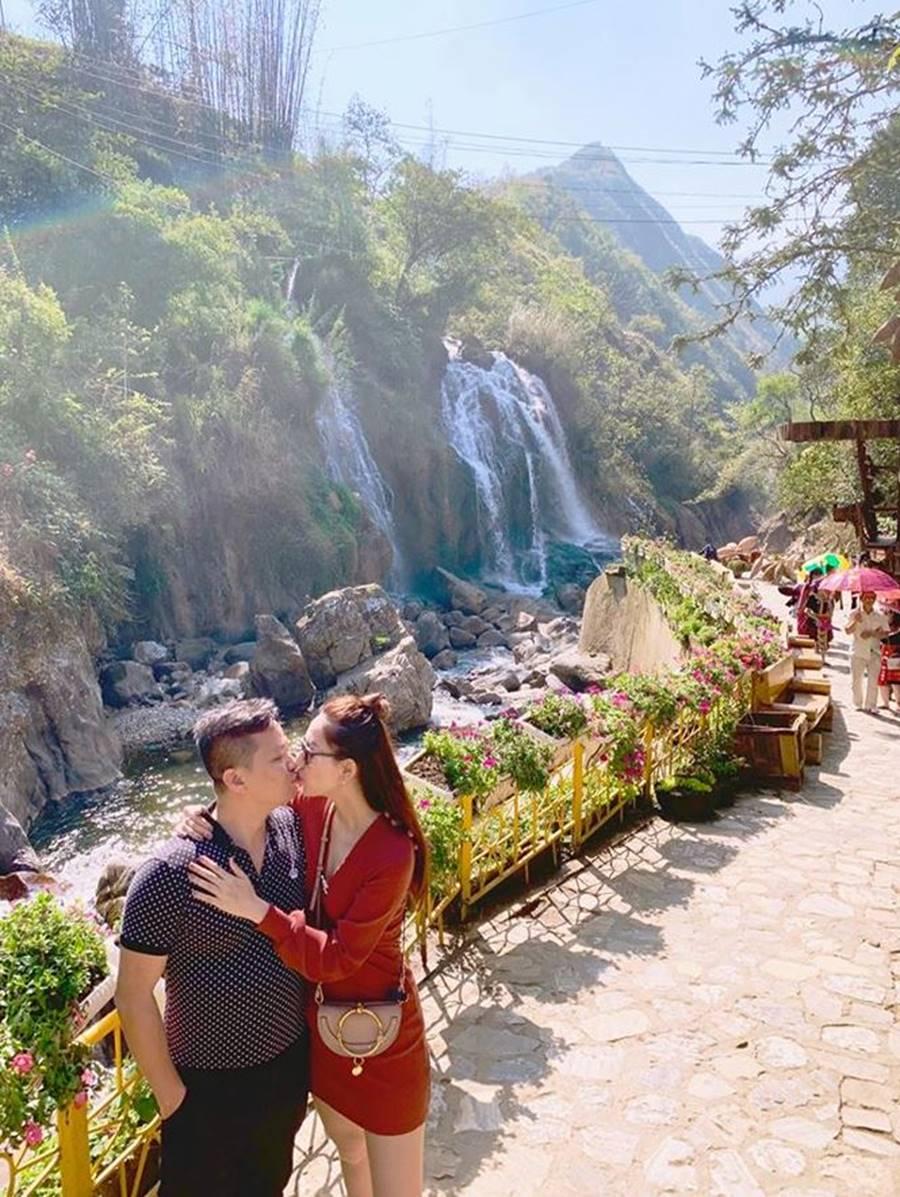 Hoa hậu Tiểu Vy, Á hậu Phương Nga đốn tim fans với váy áo lộng lẫy-13