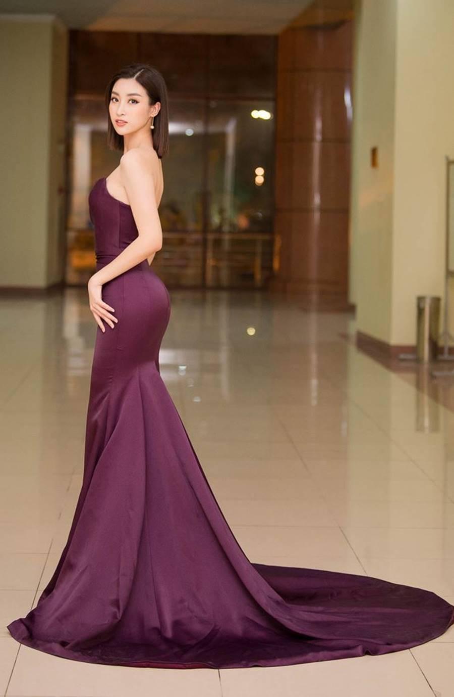 Hoa hậu Tiểu Vy, Á hậu Phương Nga đốn tim fans với váy áo lộng lẫy-16