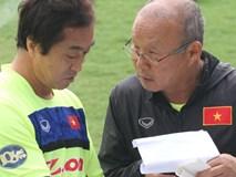 Tiến cử trợ lý Lee Young-jin nắm U23 Việt Nam, HLV Park Hang Seo toan tính gì?