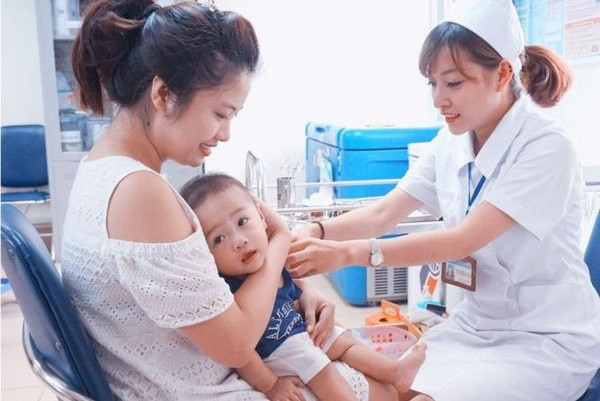 """Nhiều trẻ mắc sởi từ trào lưu anti vắc xin"""": Người lớn a dua, trẻ con chịu trận-2"""