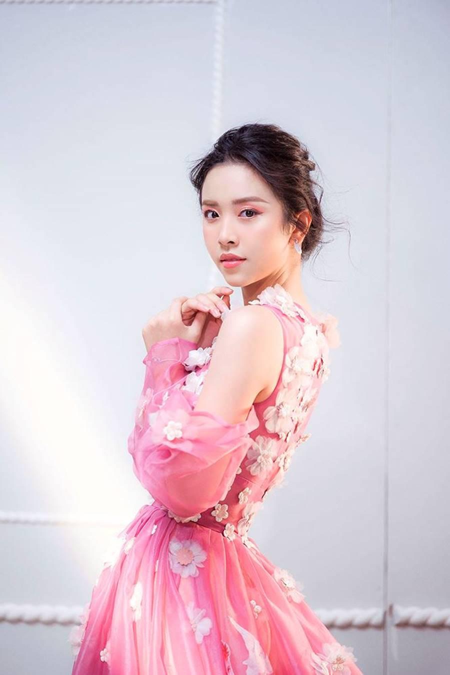 Á hậu Thuý An tái xuất xinh đẹp, hé lộ kế hoạch thi sắc đẹp quốc tế-5