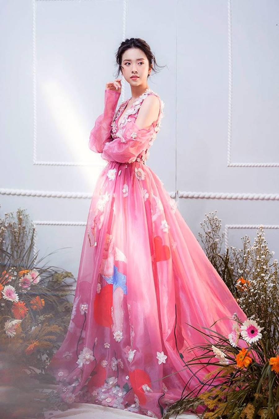 Á hậu Thuý An tái xuất xinh đẹp, hé lộ kế hoạch thi sắc đẹp quốc tế-6