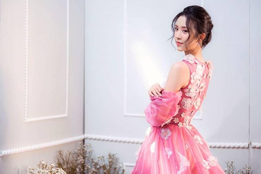 Á hậu Thuý An tái xuất xinh đẹp, hé lộ kế hoạch thi sắc đẹp quốc tế-7