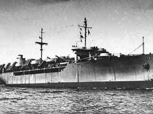 Những con tàu ma, nghĩa địa nổi và kho báu: Hàng loạt điều bí ẩn vây quanh eo biển nơi MH370 mất tích-1