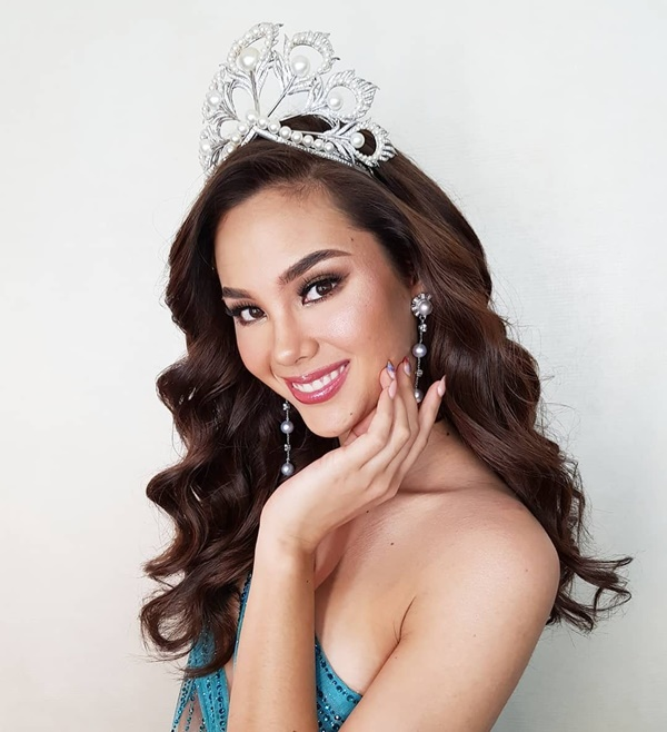 Sự cố hi hữu trong lịch sử Miss Universe: Đang diễu hành, Hoa hậu làm vỡ vương miện 6 tỉ và phản ứng bất ngờ sau đó-1