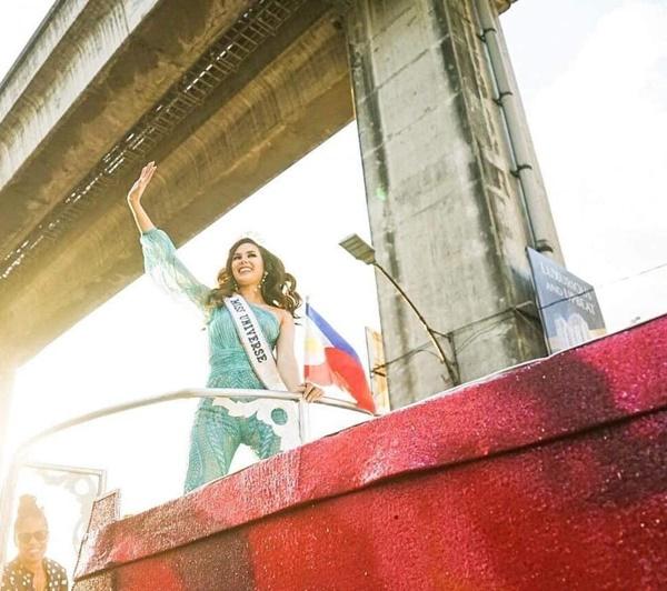 Sự cố hi hữu trong lịch sử Miss Universe: Đang diễu hành, Hoa hậu làm vỡ vương miện 6 tỉ và phản ứng bất ngờ sau đó-4