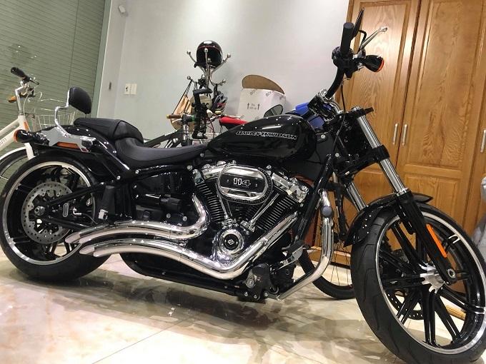 Nữ đại gia đất Cảng tặng chồng Harley-Davidson gần 1 tỷ-4