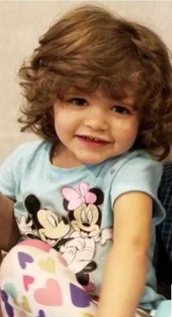 Sững sờ trước thi thể của bé gái 3 tuổi trong tủ quần áo và tội ác man rợ của người cha vô nhân tính-1