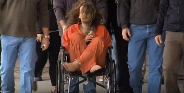 Sững sờ trước thi thể của bé gái 3 tuổi trong tủ quần áo và tội ác man rợ của người cha vô nhân tính-2