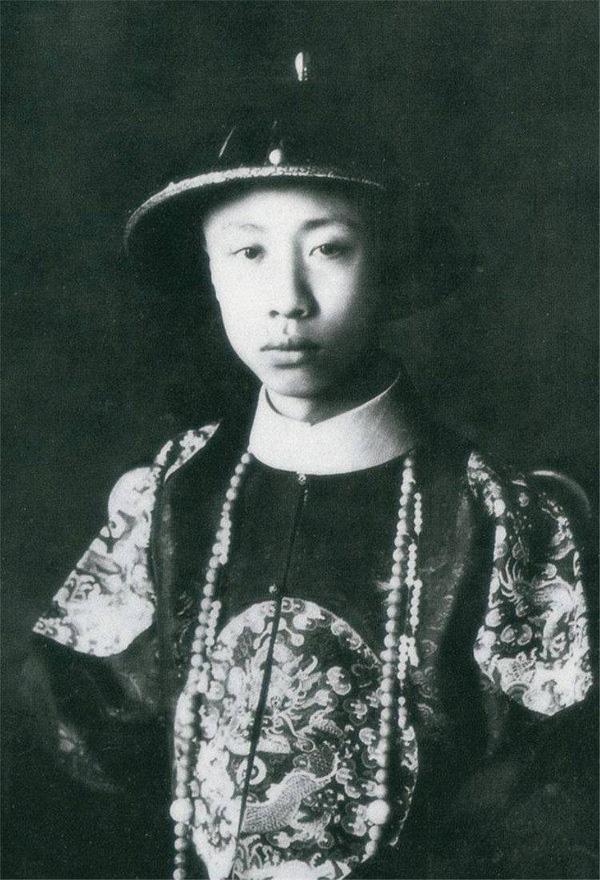 Ảnh hiếm chưa từng được hé lộ trong hôn lễ Hoàng đế Phổ Nghi - vị vua cuối cùng của nhà Thanh-1