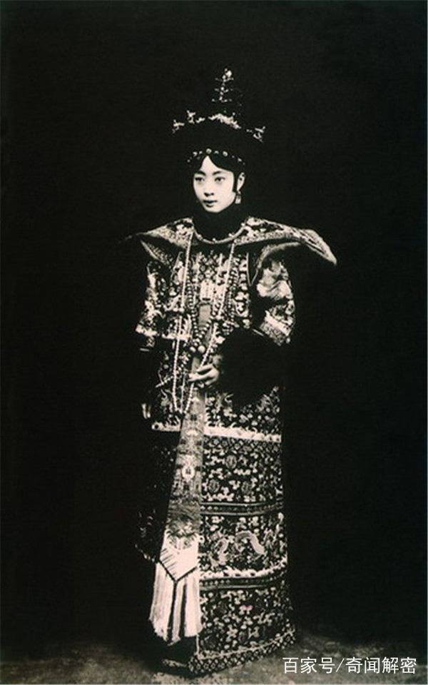 Ảnh hiếm chưa từng được hé lộ trong hôn lễ Hoàng đế Phổ Nghi - vị vua cuối cùng của nhà Thanh-9