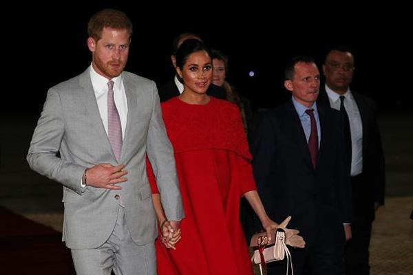 Meghan khiến Hoàng gia Anh nổi giận, cuộc hôn nhân với Hoàng tử Harry được dự đoán chỉ có thể kéo dài khoảng 5 năm-1