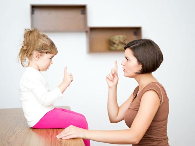 Nhìn 5 biểu hiện này, cha mẹ phát hiện ngay con đang nói dối-1