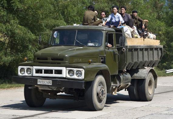 2 hãng ô tô của Triều Tiên được thế giới biết đến-3