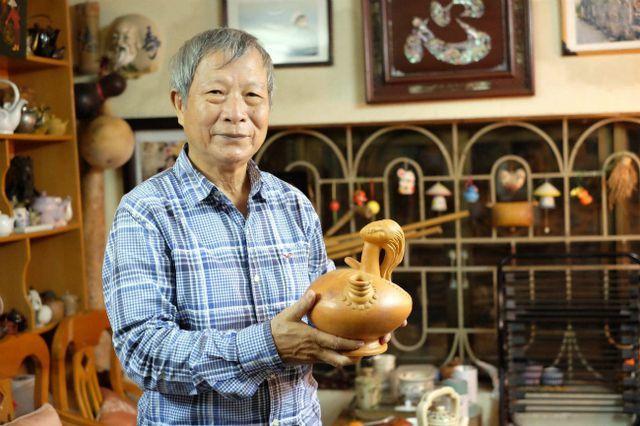 Bộ sưu tập ấm trà độc nhất vô nhị ở VN, có chiếc nhỏ xíu mà giá cả trăm triệu-1
