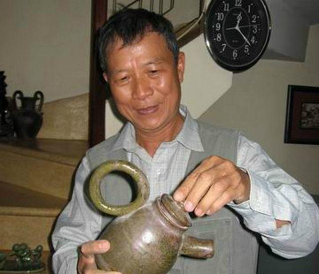 Bộ sưu tập ấm trà độc nhất vô nhị ở VN, có chiếc nhỏ xíu mà giá cả trăm triệu-10
