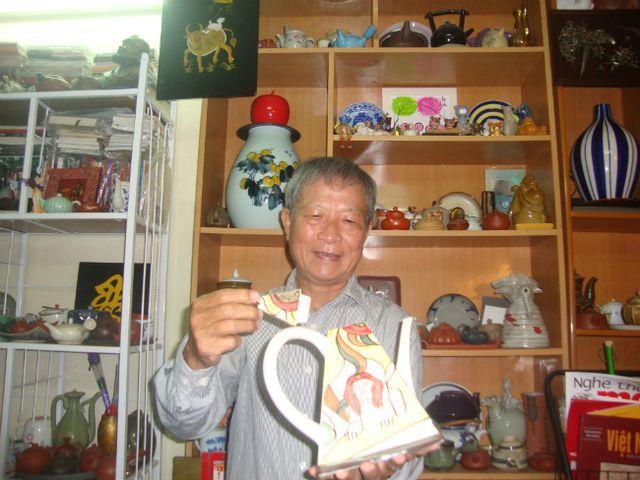 Bộ sưu tập ấm trà độc nhất vô nhị ở VN, có chiếc nhỏ xíu mà giá cả trăm triệu-13