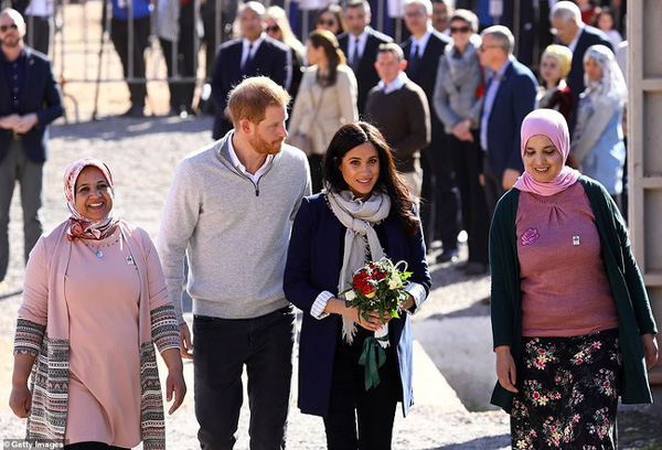 Bà bầu Meghan lấn át chồng trong sự kiện, khiến Hoàng tử Harry ngượng ngùng xấu hổ vì điều này-2