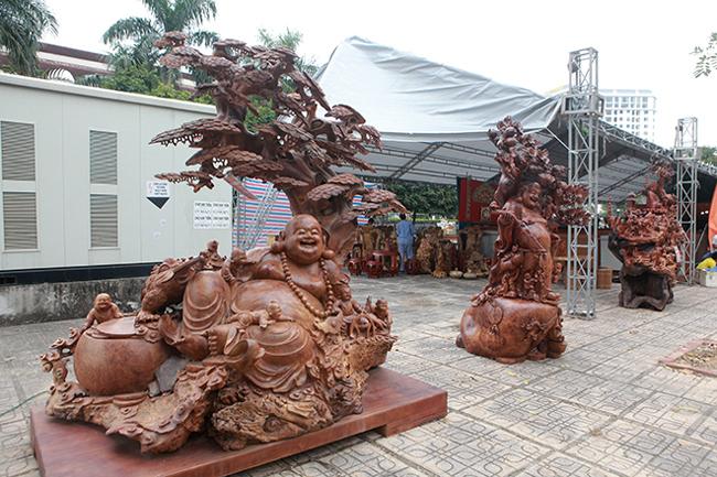 Tận thấy bộ ba tượng phật bằng gỗ quý giá gần 3 tỷ đồng-1
