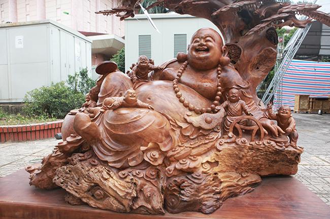 Tận thấy bộ ba tượng phật bằng gỗ quý giá gần 3 tỷ đồng-10