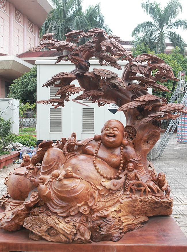 Tận thấy bộ ba tượng phật bằng gỗ quý giá gần 3 tỷ đồng-9