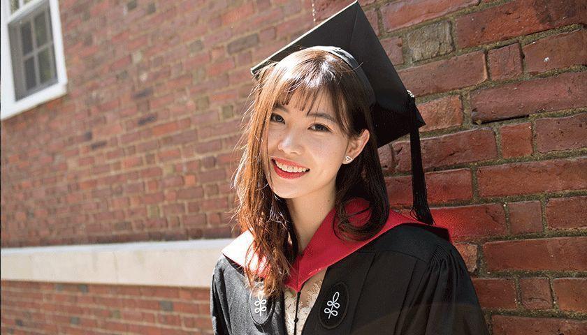 Chuyên trốn học, có thai năm 20 tuổi, cô gái xinh đẹp này vẫn có thành tích khủng và là thạc sĩ trẻ tuổi nhất Havard-1