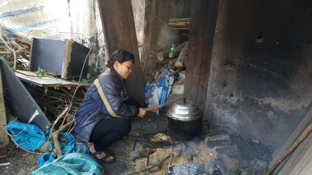 Người mẹ đơn thân nuôi 2 người con viết đơn xin ra hộ nghèo, nhường cho gia đình khó khăn hơn-3