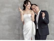 Nhã Phương thay ảnh bìa fanpage thành ảnh cưới nhưng cư dân mạng lại phát hiện ra điểm trùng hợp thú vị này
