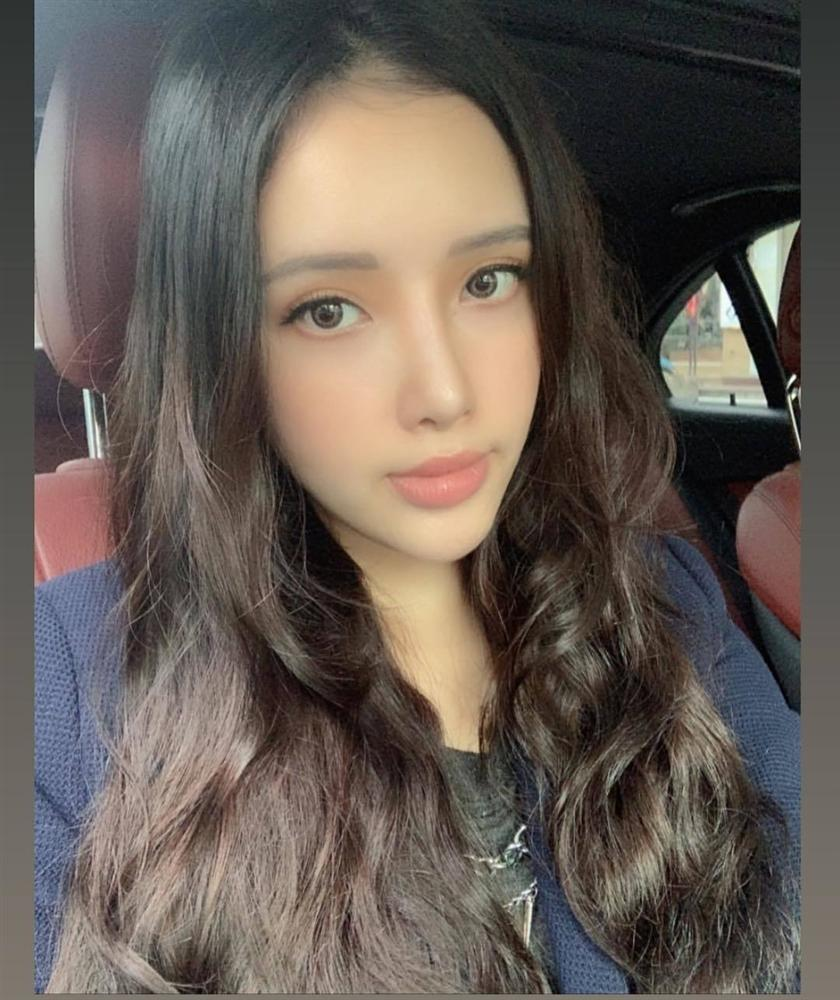 Xinh đẹp, nóng bỏng vượt mặt chị chính là ba cô em gái của Mai Phương Thúy, Nhã Phương, Angela Phương Trinh-1