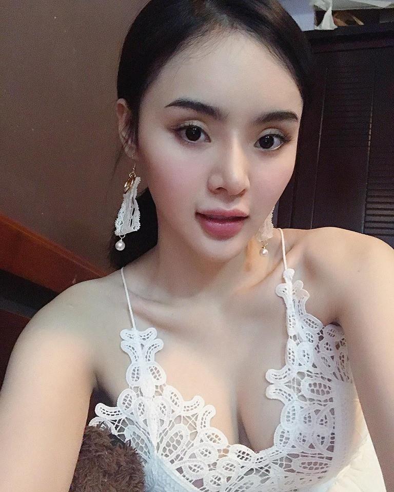 Xinh đẹp, nóng bỏng vượt mặt chị chính là ba cô em gái của Mai Phương Thúy, Nhã Phương, Angela Phương Trinh-14